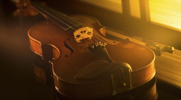 7 Tips for Playing Popular Music on Your Viola https://www.connollymusic.com/stringovation/7-tips-for-playing-popular-music-on-your-viola @revellestrings