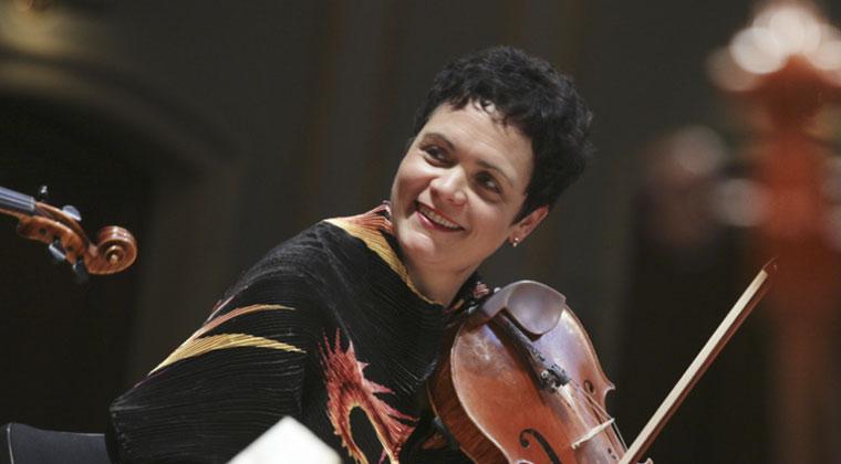 Artist Profile: German Violist Tabea Zimmerman https://www.connollymusic.com/german-violist-tabea-zimmerman @revellestrings