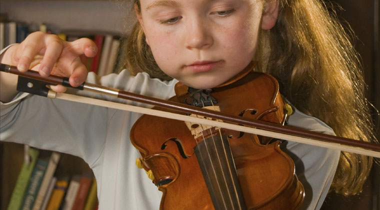 Can learning to play the violin improve my childs grades http://www.connollymusic.com/revelle/blog/can-learning-to-play-the-violin-improve-my-childs-grades @revellestrings