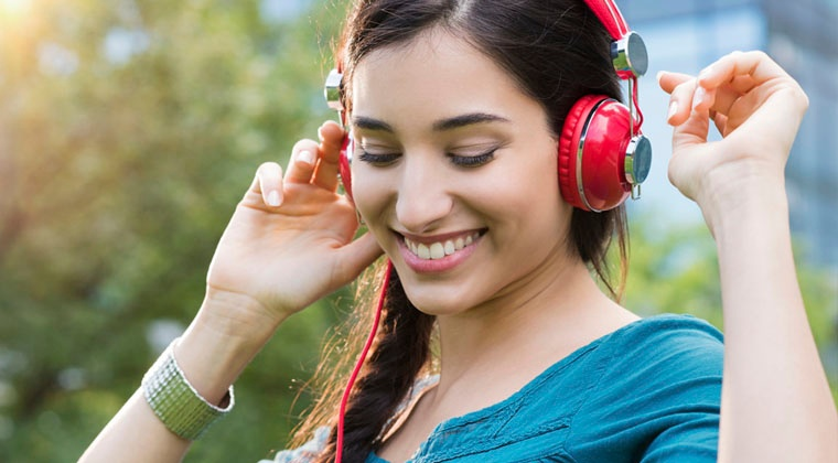 Different genres of music affect mood http://www.connollymusic.com/revelle/blog/Different-Genres-of-Music-Affect-Your-Mood @revellestrings