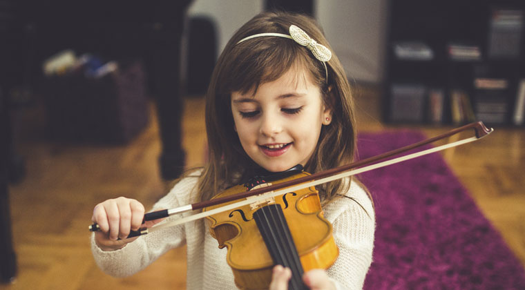Dos And Donts Beginner Violinists http://www.connollymusic.com/revelle/blog/beginner-violinists-dos-and-donts @revellestrings