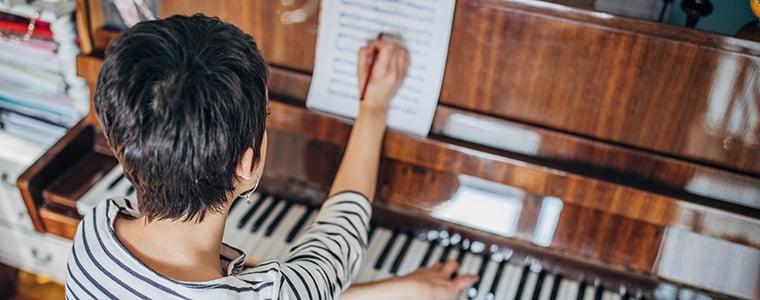 Female_music_composer_blog