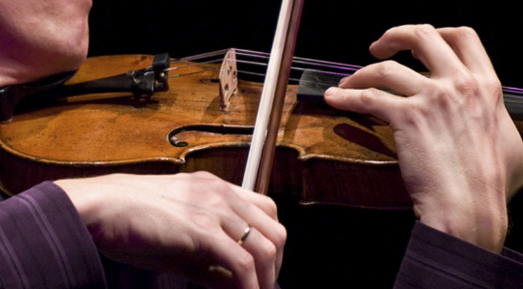 finger warm up exercises prevention injury http://www.connollymusic.com/revelle/blog/Exercises-Extend-Flexibility-Prevent-Overuse-Injury @revellestrings