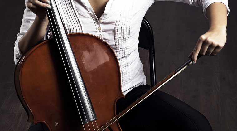 Left-Handed Cellist? What You Need To Know http://www.connollymusic.com/revelle/blog/what-left-handed-cellist-should-know @revellestrings