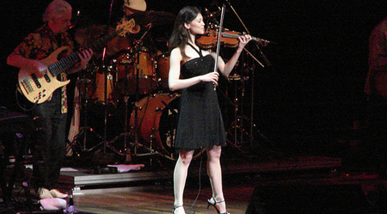 Living her Passion: Anne Marie Calhoun, Rock, Bluegrass Violinist http://www.connollymusic.com/revelle/blog/living-her-passion-anne-marie-calhoun-rock-bluegrass-violinist @revellestrings