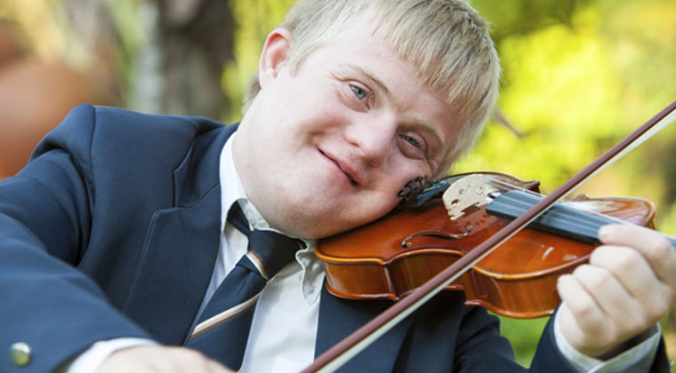 How Teaching Music To Special Needs Children Can Change Their Lives http://www.connollymusic.com/stringovation/benefits-of-music-for-special-needs-children @revellestrings