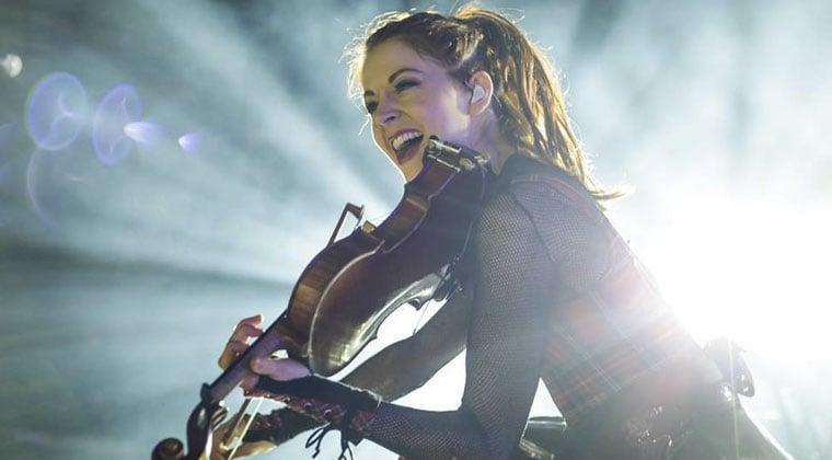 Stage-Presence-Lindsey_Stirling,_México_2015-Karla4828-PhotoOgs-Blog.jpg