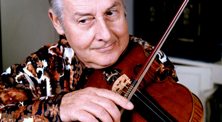 Stephane Grappelli playing the violin