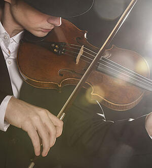 The-Violinists-Guide-To-Creating-Your-On-Stage-Persona-How-To-Brand-Yourself-Blog3