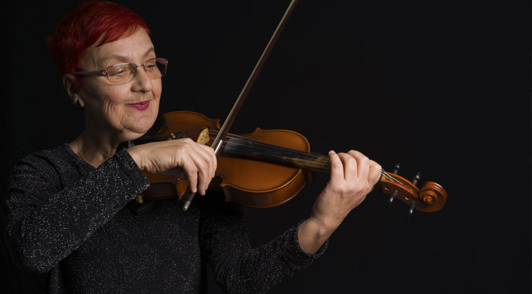 Adult violin student and tips for choosing the right violin teacher as an adult learner