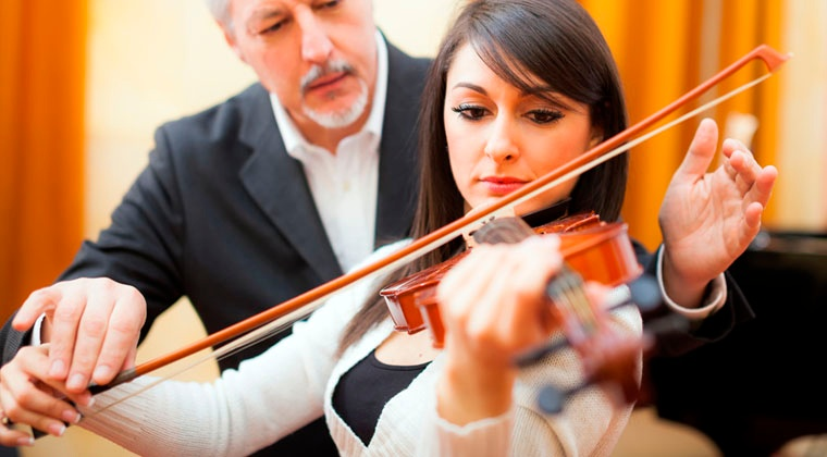 finding the right violin teacher http://www.connollymusic.com/revelle/blog/tips-for-finding-the-right-violin-teacher @revellestrings