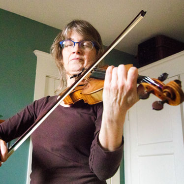 8 Techniques for Teaching Adult Learners the Violin