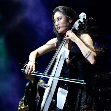 Artist Profile: Electronic Cellist Tina Guo